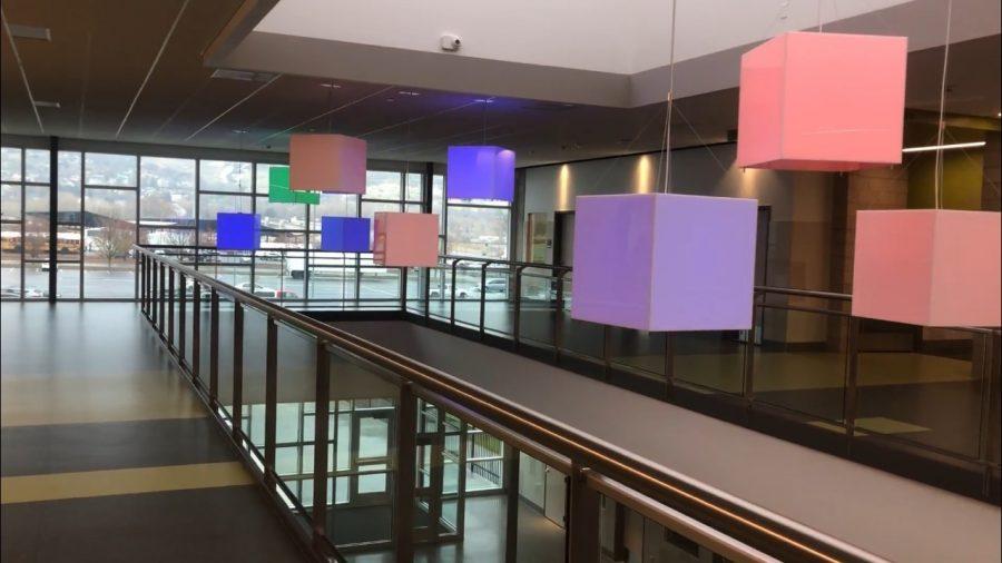 Students Express Opinions on Farmington Decorations