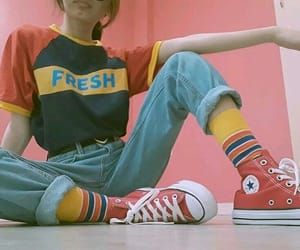 80's Clothes Are Making Their Way Back To High school Students