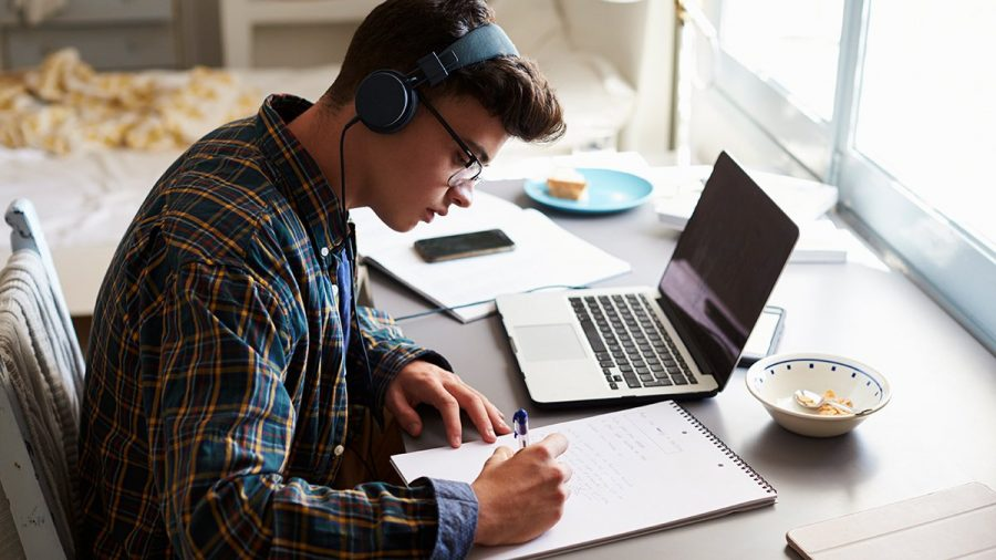Students+Should+Listen+To+Music+While+Studying